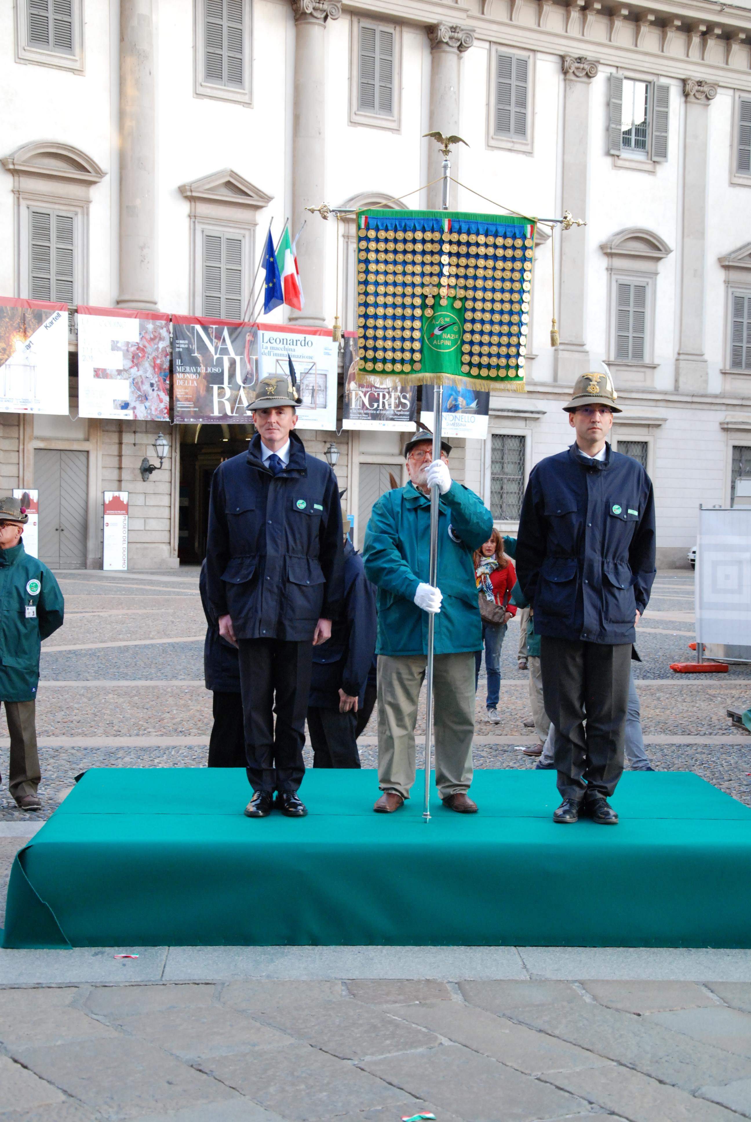 Inizio-Adunata-Nazionale-alpini-Milano-37