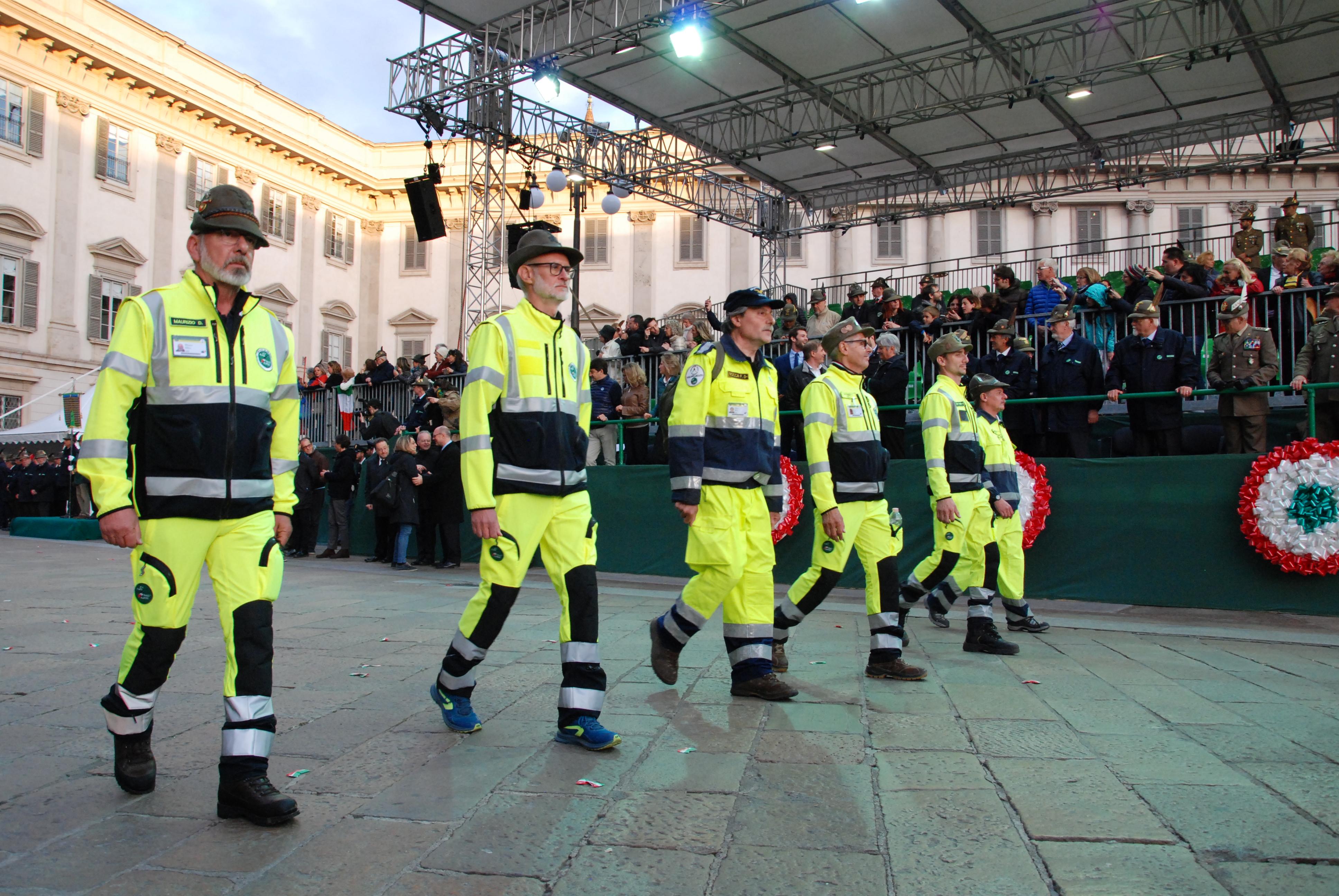 Inizio-Adunata-Nazionale-alpini-Milano-66