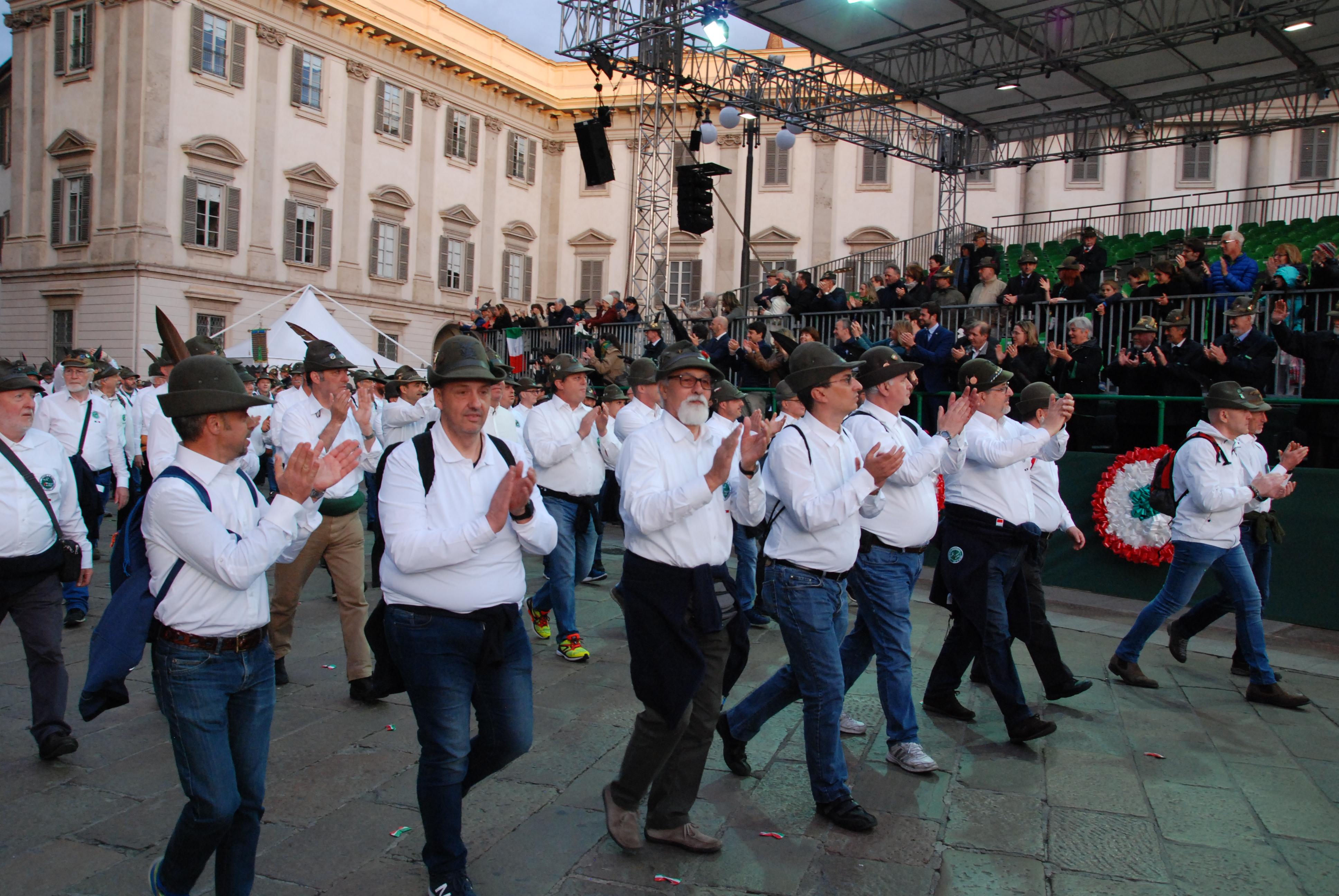 Inizio-Adunata-Nazionale-alpini-Milano-84
